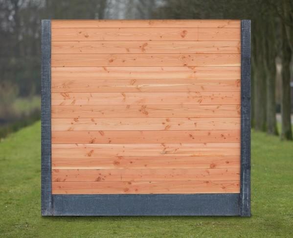 Betonnen schuttingpalen met Lariks douglas hout